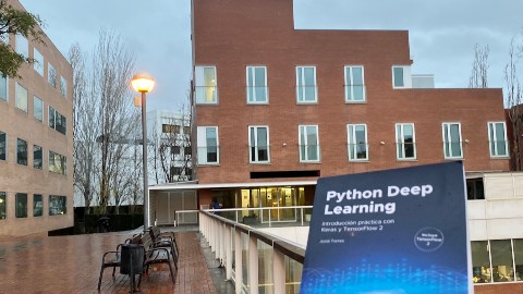 Llibre Python Deep Learning FIB